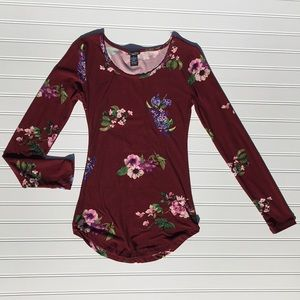 Super cute long sleeved floral shirt!